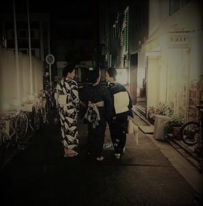3人後ろ (3).JPG